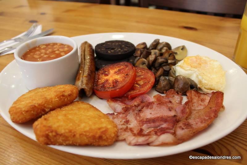 l english breakfast du cafe oz a londres