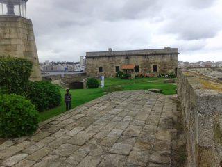 Castillo de San Antón con niños