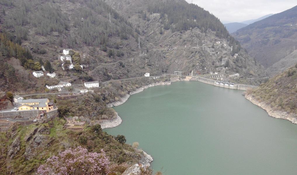 Asturias con niños: Grandas de Salime