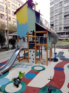 Santiago con niños: el parque infantil de la Plaza de Vigo