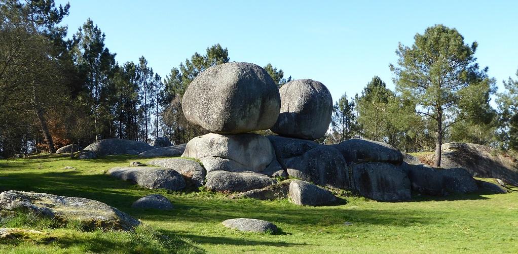 El monte de las rocas mágicas (Outeiro de Rei)