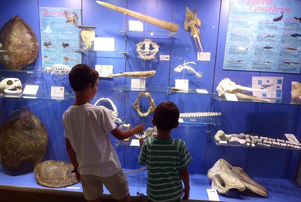 El Museo Marítimo de Asturias (Luanco), con niños