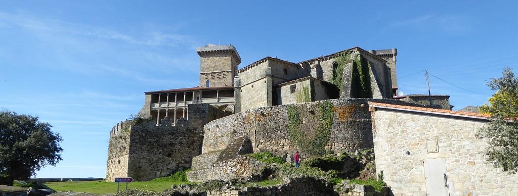 El Castillo de Monterrei (Ourense) con niños