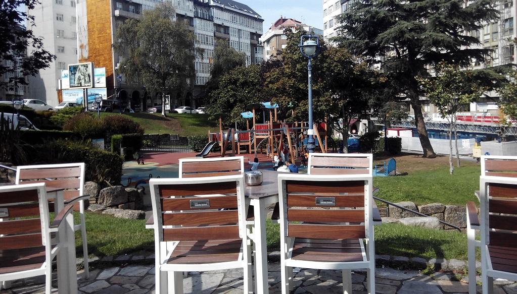 A Coruña con peques: terrazas con parque infantil