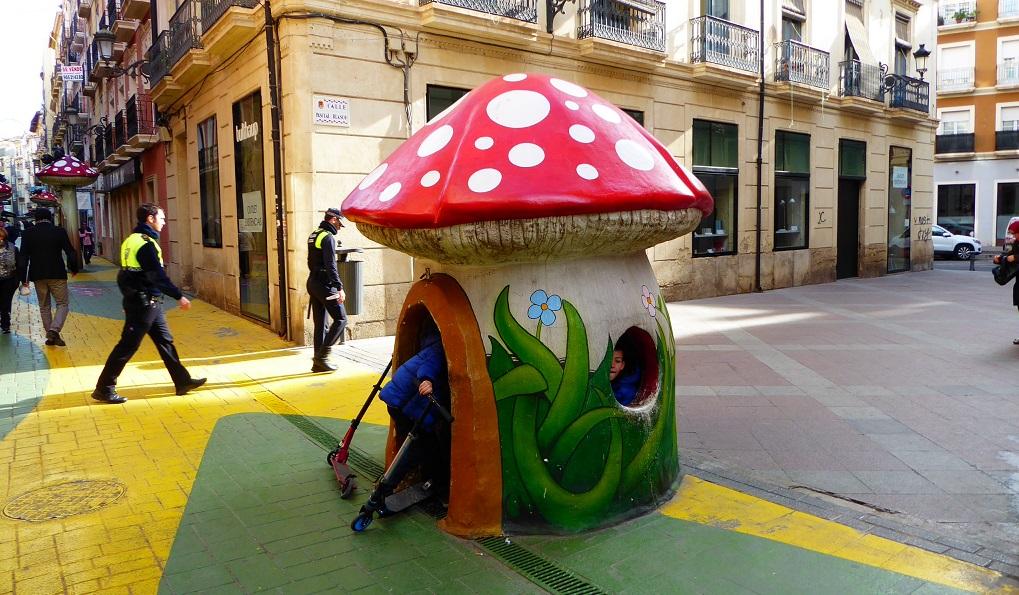 Calle de las setas San Francisco de Alicante