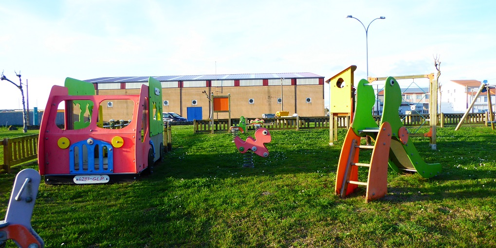 Parque infantil y área recreativa