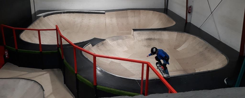 ocio con jóvenes y adolescentes skate