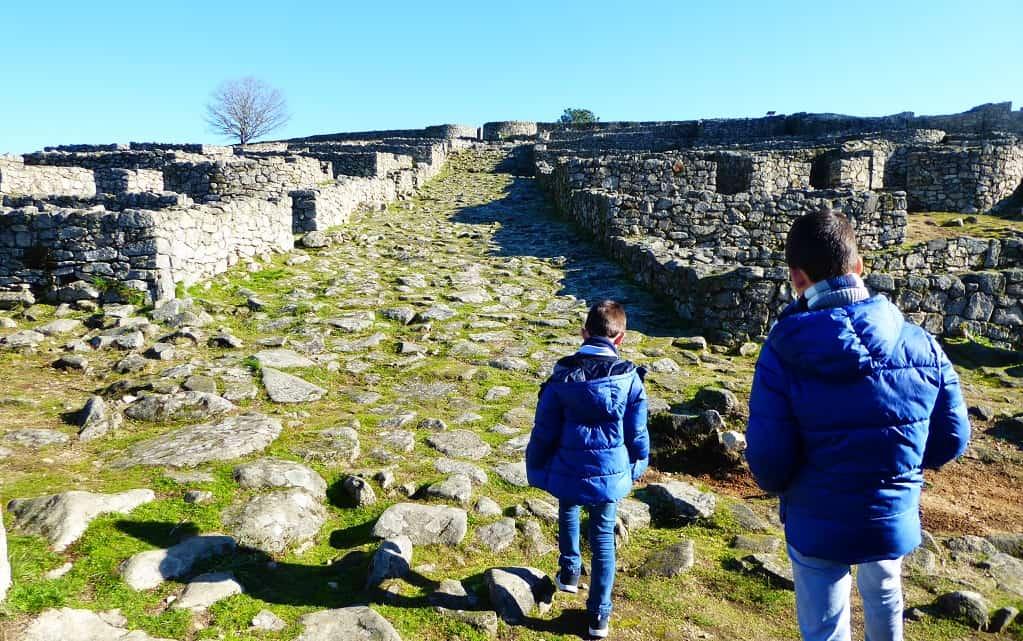 El Parque Arqueolóxico de Lansbrica con niños