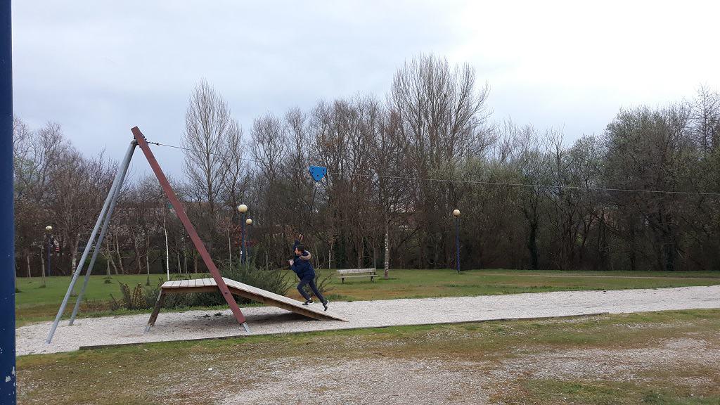 Parque infantil de Alvedro, en Culleredo con niños
