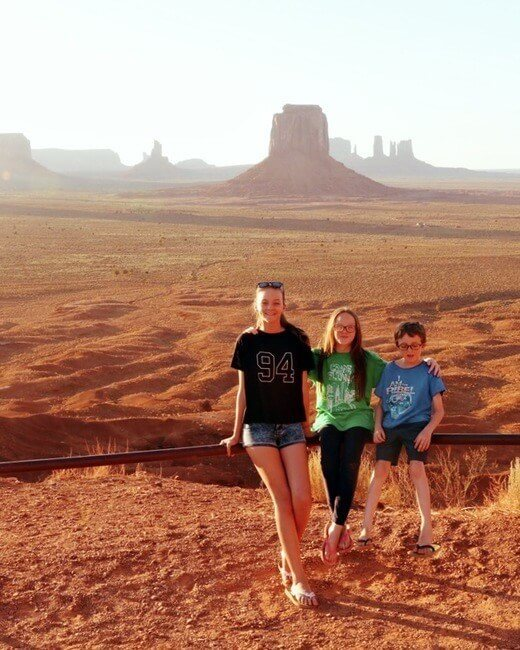 monument valley road trip with kids