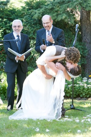 Via Basel, EIL laughing, kiss, Helen.John.Ceremony-Beth Laurren