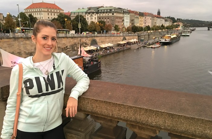 The second in the 'You Can Travel' series on No Shoes Today. Allison Judkins from Seeking Neverland shares on story on how she travels on little money and has even managed to move abroad. Find out how here!