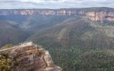 Just a short drive from Sydney you'll find the stunning Blue Mountains National Park. Want to know how to have the best couple of days here? Find out here! #bluemountains #australia #NSW #scenicworld