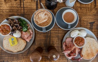 Are you a food lover looking for a weekend escape? Toowoomba is a fantastic up and coming foodie haven that is waiting to be explored. Here are 11 of the best places to eat and drink at in Toowoomba to inspire your next trip.