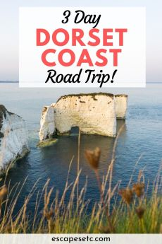 Planning a weekend in Dorset and the Jurassic Coast? This 3 day roadtrip itinerary will show you the best of the Dorset coast and the top things to do in Dorset England. #dorsetengland #dorsetcoastline #jurassiccoastdorset