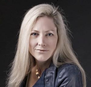 Victoria Laurie Author Photo