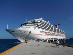 cruise in port 2