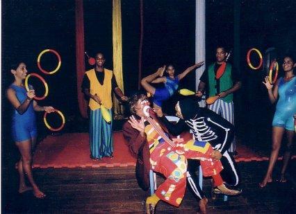 Estradas Cruzadas no Circo (2006)