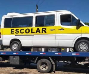 Nem tudo que parece… Van escolar clandestina é apreendida em fiscalização