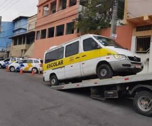 Polícia Civil prende quatro motoristas por fazer transporte escolar clandestino