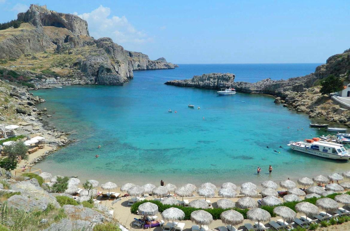Praias mais lindas do mundo - Saint Paul's Bay, na Ilha de Rhodes (Grécia)