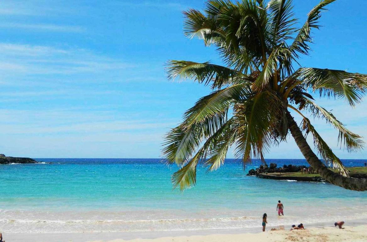 Praias mais lindas do mundo - Praia Anakena, na Ilha de Páscoa (Chile)