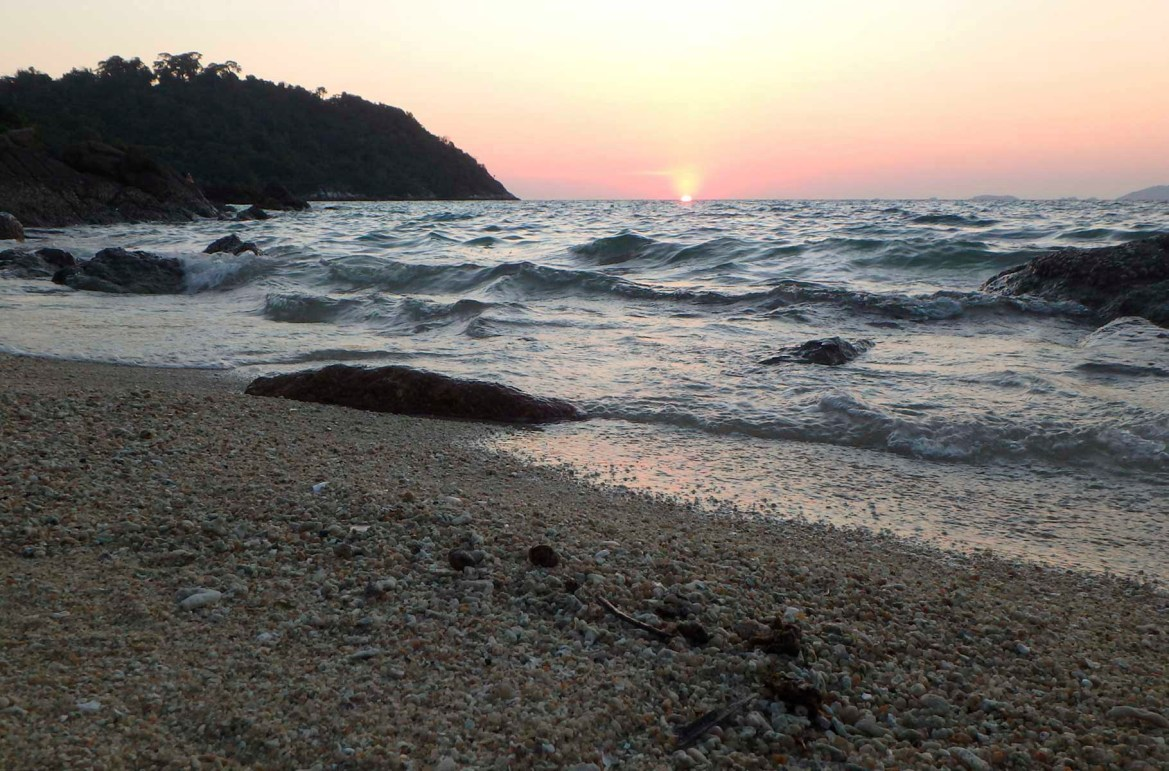 Praias mais lindas do mundo - Sunset Beach, na Ilha de Koh Lipe (Tailândia)