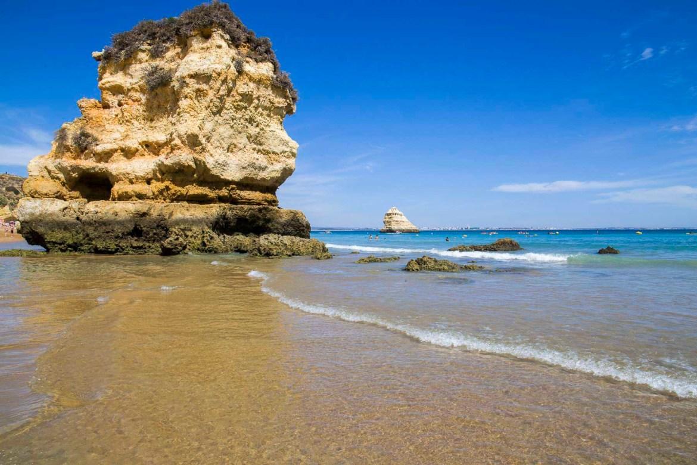 Praias mais lindas do mundo - Praia Dona Ana, em Lagos, no Algarve (Portugal)