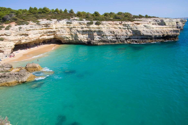 Praias mais lindas do mundo - Praia de Albandeira, no Algarve (Portugal)