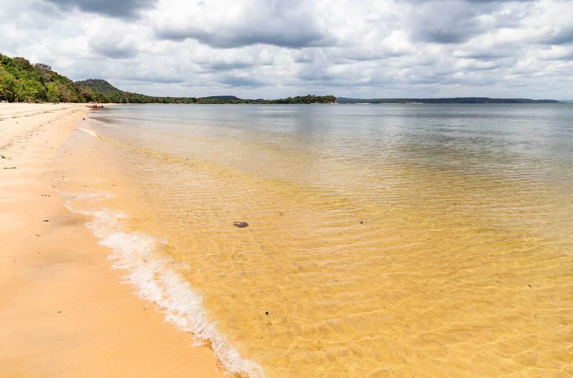 Praia da Ponta do Cururu, em Alter do Chão (PA)