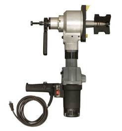 Electric driven pipe beveling machine