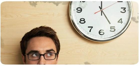 Escritor e o Relógio