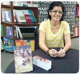 Danielle Meniche no lançamento de seu livro