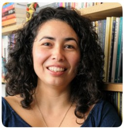Escritora Maurem Kayna