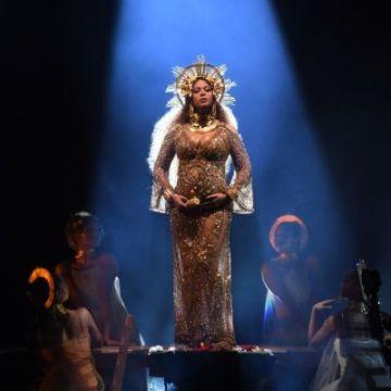 El increíble performance de Beyonce en los Premios Grammy