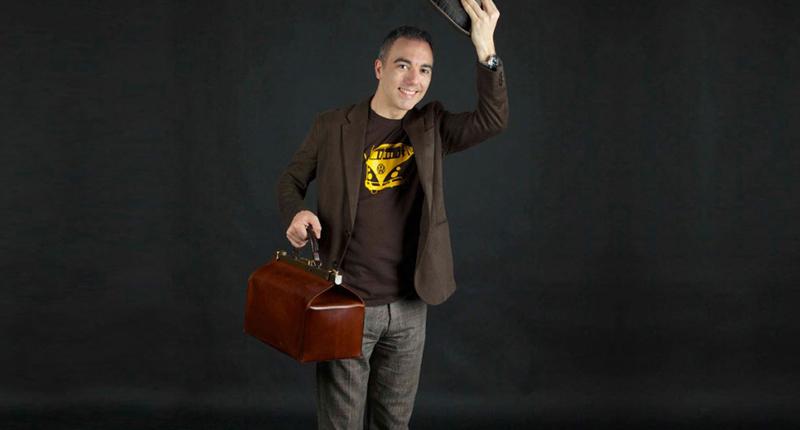 que lleva un mago en su maletin