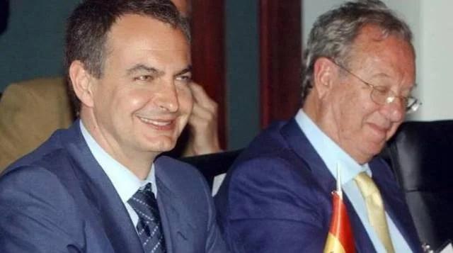 Resultado de imagen para Fotos de Raúl Morodo con Chávez