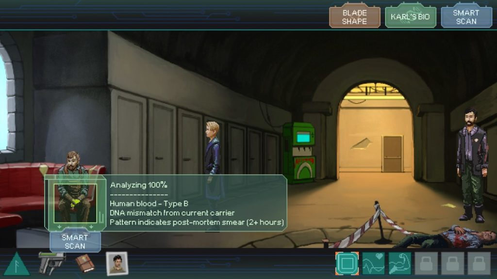 """Escena del juego """"Whispers of a Machine"""", donde la protagonista está en una escena del crimen con dos hombres más, uno parece policía y otro un testigo. La protagonista está analizando al testigo. Un gran arco deja entrar una luz amarillenta a la sala con el cadaver en la parte inferior derecha de la pantalla."""