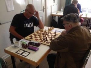Erik Stokkentreeff (li) und Josef Krük (re) im Hintergrund Thorben Mantler