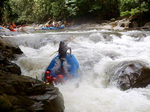 white-water-rafting-sungai-kampar-gopeng-perak-vmy2014-visit-malaysia-tourism-malaysia-perak-shamphotography