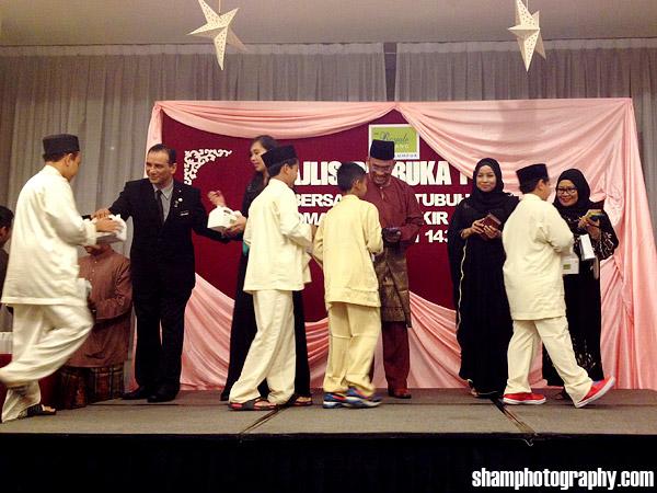 iftar-berbuka-puasa-pertubuhan-rahoma-darul-fakir-royale-bintang-kuala-lumpur-shamphotography-16