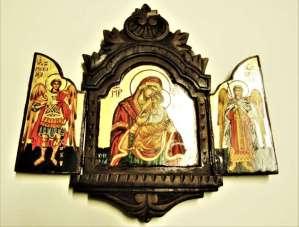 Χειροποίητη Αγιογραφία Τρίπτυχο Παναγιά και Αρχάγγελοι ζωγραφισμένη και σκαλισμένη στο χέρι, βυζαντινή. Διαστάσεις 0,35εκ Χ 0,35εκ