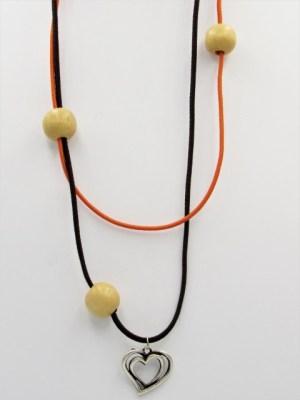Χειροποίητο Κολιέ μακρύ με ασημί καρδιά ξύλινες μπεζ χάντρες και μαύρο πορτοκαλί κορδόνι.
