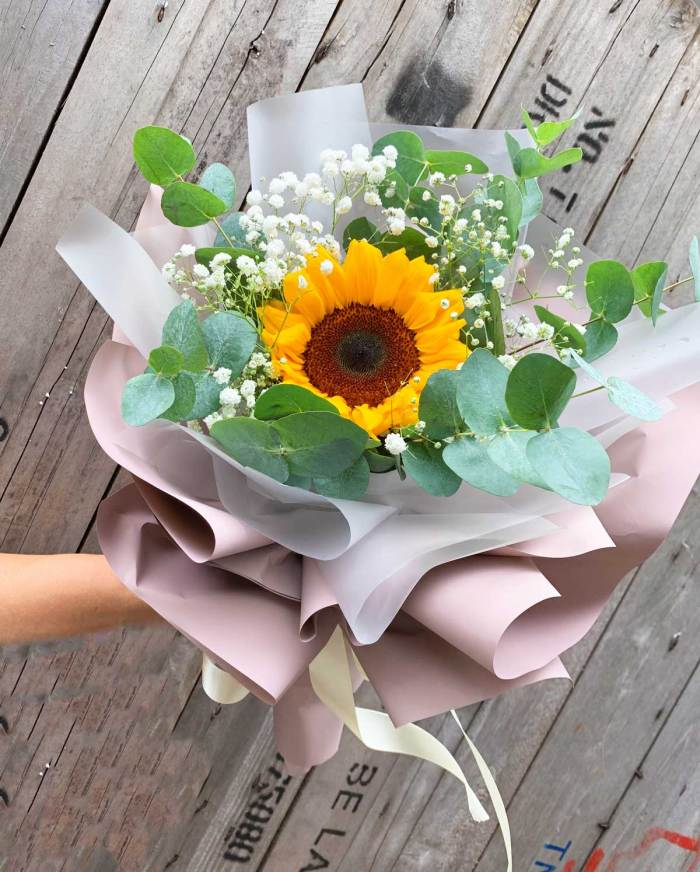 Sunny Side Up Bouquet | Hand Bouquet Flower | Eska Creative Gifting