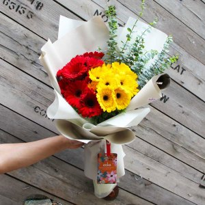 You And Me Bouquet   Hand Bouquet Flower   Eska Creative Gifting