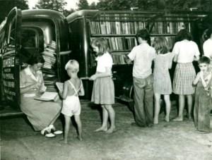 gezici-kutuphane-minibusu