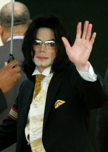 Michael-jackson-2005