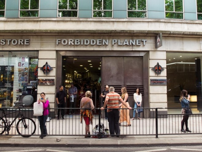 Forbidden-Planet-bookstore-london-1