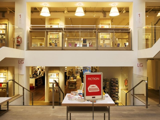 foyles-bookshop-london-3