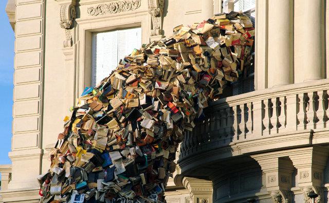 kitaplardan-oluşan-muhteşem-yapilar-Alicia-Martin-5